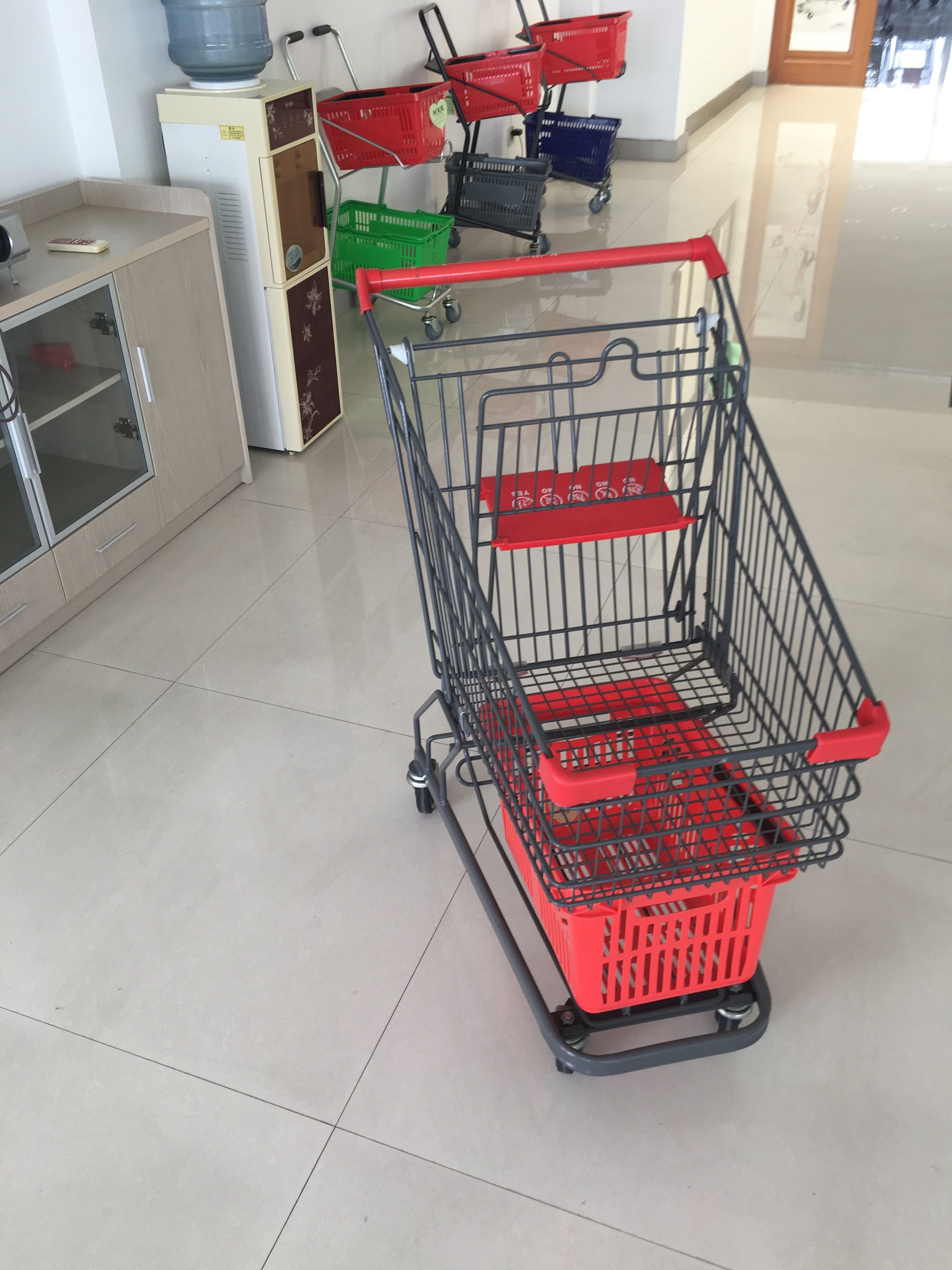 Grey Powder Coating Grocery Trolley Cart , Large Capacity Shopping Trolley 4 Inch PU Casters
